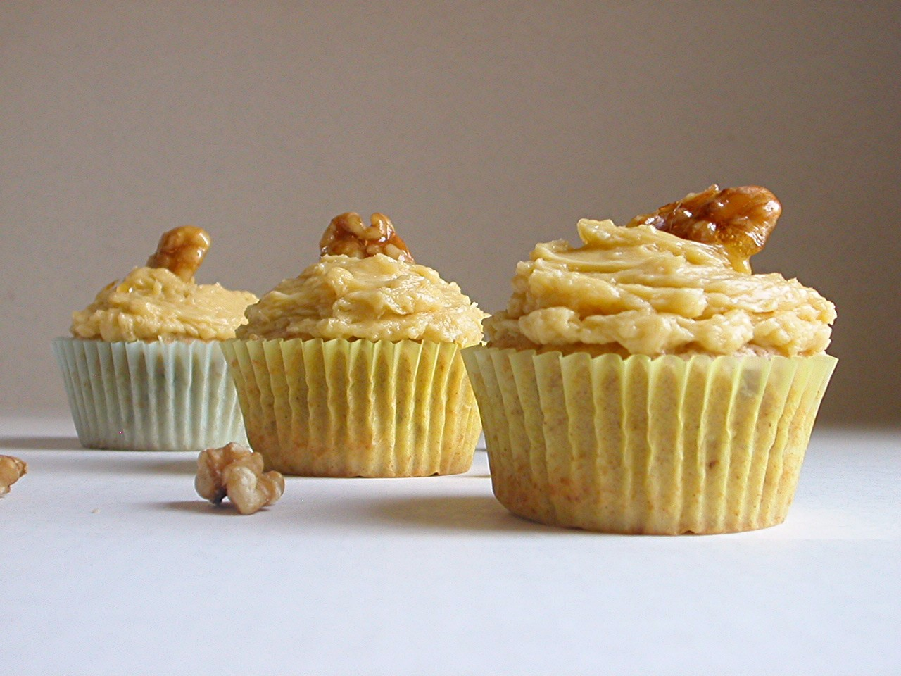 Maple-Walnut Cupcakes (from Martha Stewart's Baking Handbook )