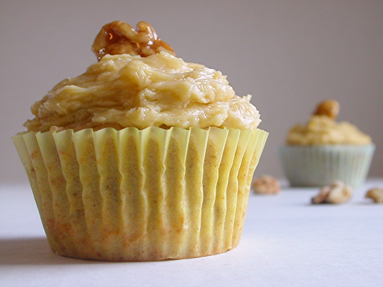 martha martha martha (maple walnut cupcakes)